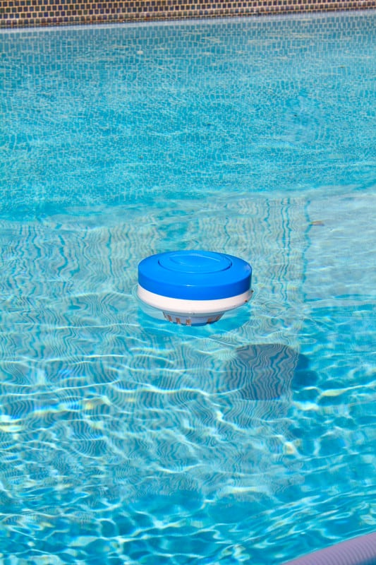 Maintaining Proper Chlorine Levels In Your Swimming Pool Easy Clear Pool