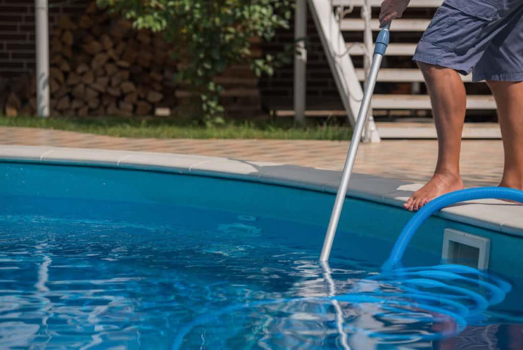 vacuum pool